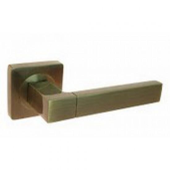Дверная ручка на квадратной розетке KEDR R08.0.81 AL-АВ